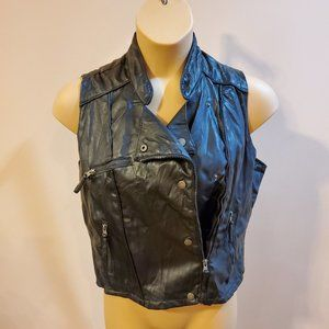Miley Cyrus black vest with zippers XL
